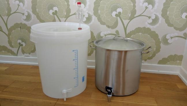30-liters jäshink och 25-liters gryta.